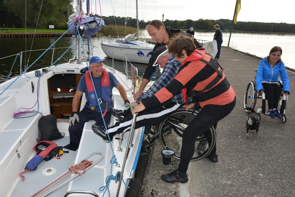 Przeglądasz zdjęcia w artykule: IV Puchar Polskiego Związku Żeglarzy Niepełnosprawnych 3.10.2016 r.