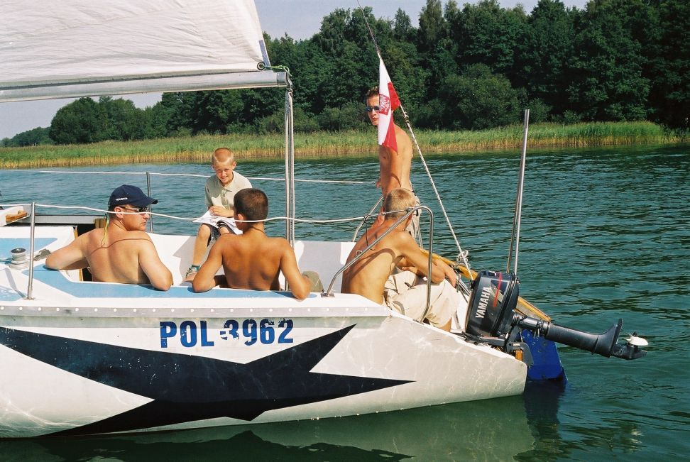 Przeglądasz zdjęcia w artykule: Wakacje Marzeń dla młodzieży z domów dziecka  16 - 29.08.2002