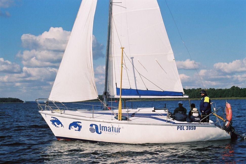 Przeglądasz zdjęcia w artykule: XX Otwarte Akademickie Mistrzostwa Polski Jachtów Turystycznych 28 - 29 września 2002