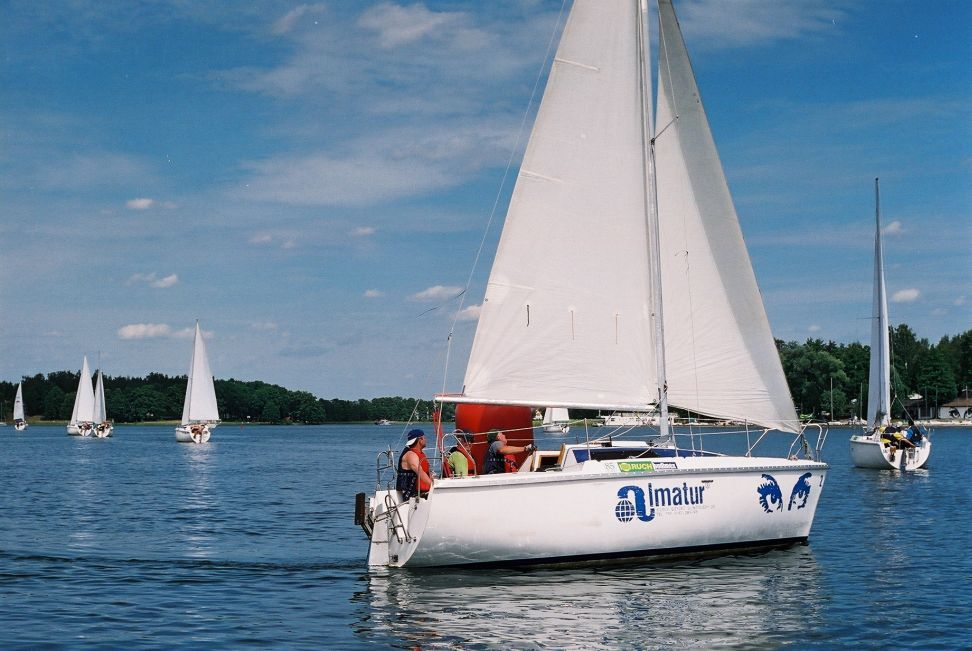 Przeglądasz zdjęcia w artykule: IX Mistrzostwa Polski Żeglarzy Niepełnosprawnych  16 - 22 czerwca 2003