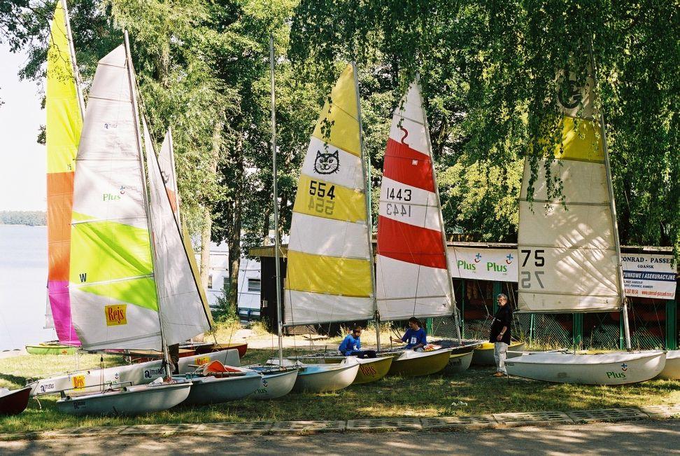Przeglądasz zdjęcia w artykule: VI Mistrzostwa Polski Katamaranów – mamy medal!  29 - 31 sierpnia 2003
