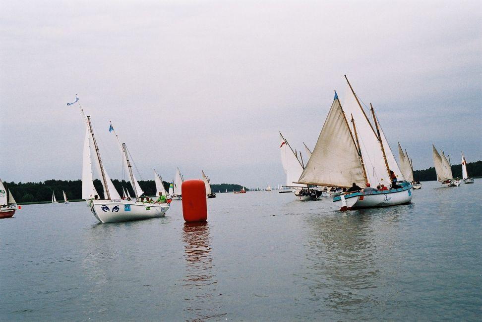 Przeglądasz zdjęcia w artykule: III Mistrzostwa Polski w klasie DZ 13 - 15 sierpnia 2004