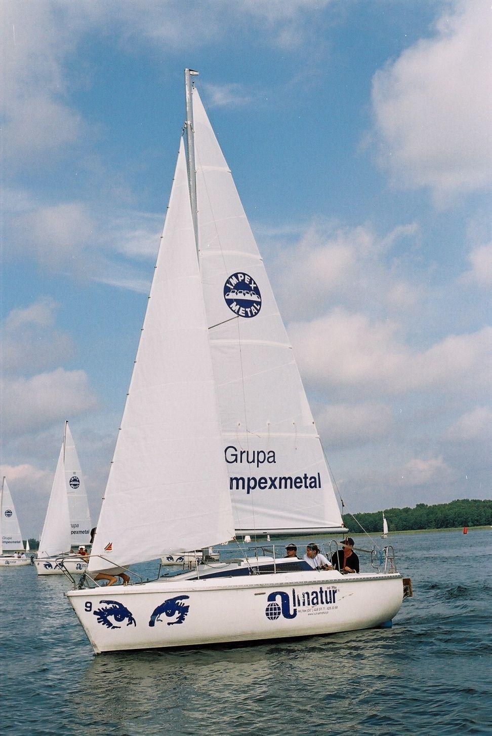 Przeglądasz zdjęcia w artykule: I Farmaceutyczne Mistrzostwa Polski w Żeglarstwie FARMA CUP 20 - 22 sierpnia 2004