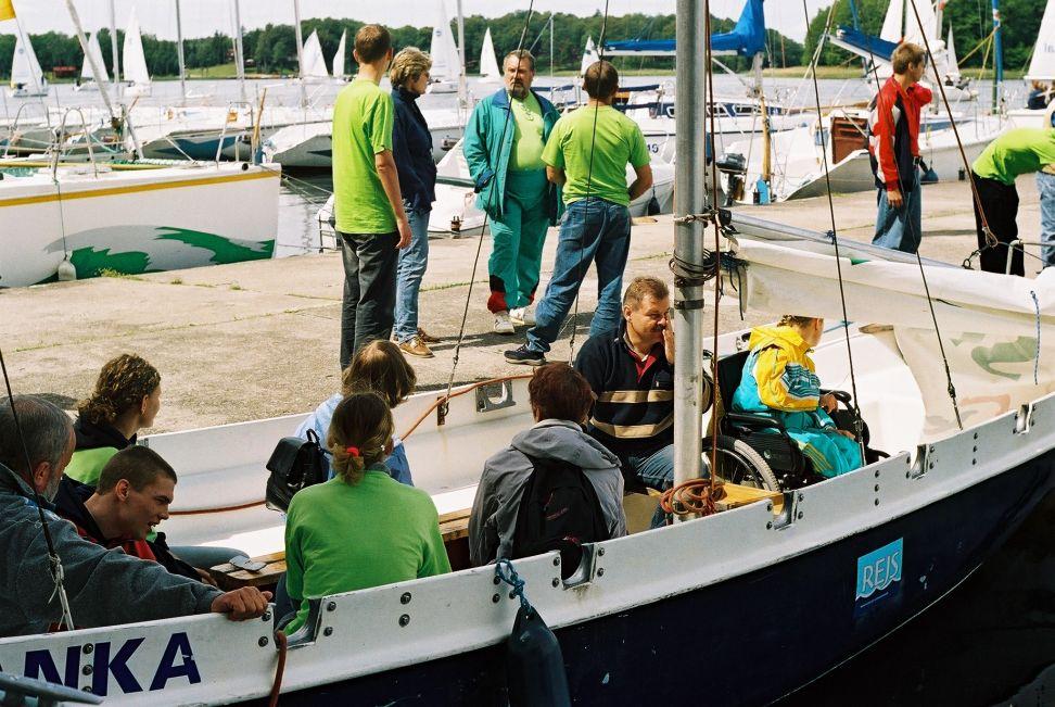 Przeglądasz zdjęcia w artykule: I Młodzieżowe Regaty Niepełnosprawnych w klasie DZ 17-19 września 2004