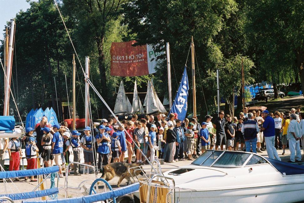 Przeglądasz zdjęcia w artykule: VII Puchar Mazurskiej Szkoły Żeglarstwa 1 - 2 maja 2005
