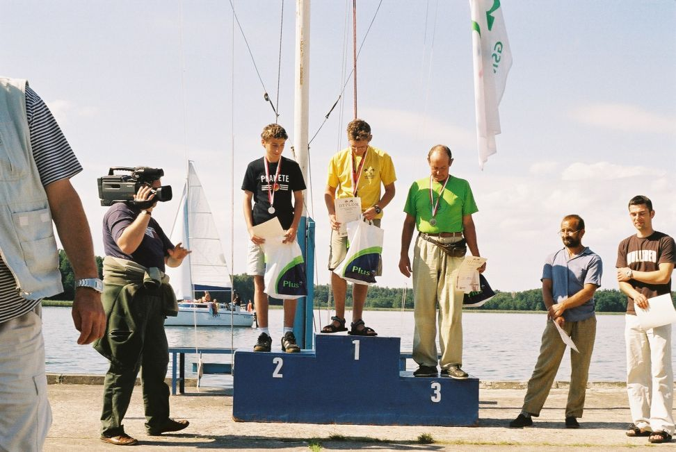Przeglądasz zdjęcia w artykule: VIII Mistrzostwa Polski Katamaranów – Mistrz i Wicemistrz to zawodnicy MSŻ  27 - 28 sierpnia 2005