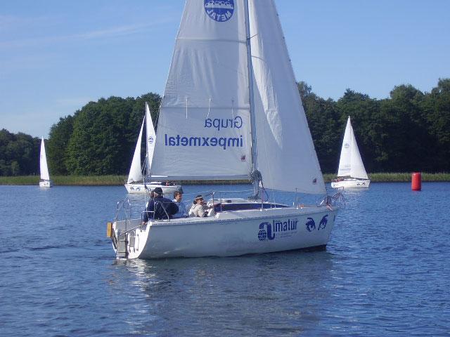 Przeglądasz zdjęcia w artykule: II Integracyjne Regaty ON o Puchar Dyrektora Oddziału W-M PFRON   16 - 18 września 2005