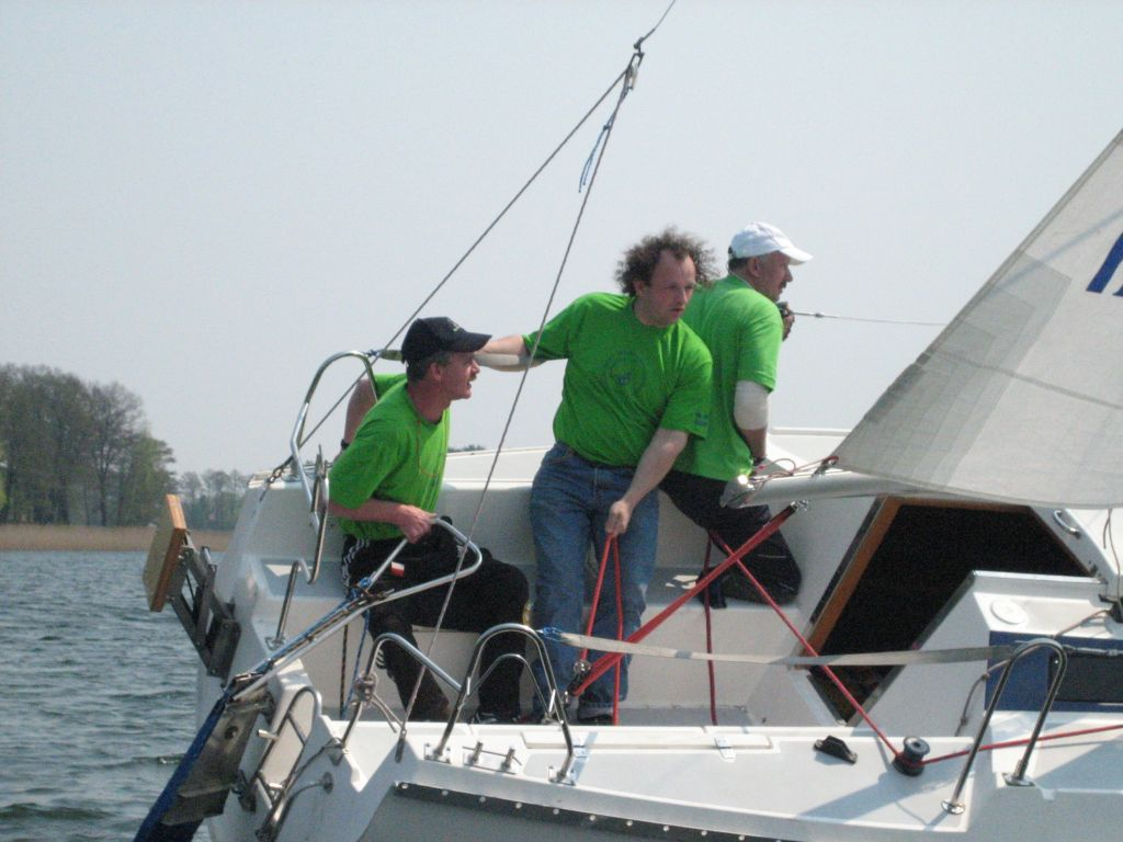 Przeglądasz zdjęcia w artykule: III Otwarte Regaty Żeglarzy Niepełnosprawnych  o Puchar Dyrektora PCPR w Giżycku  6 – 7 maja 2006