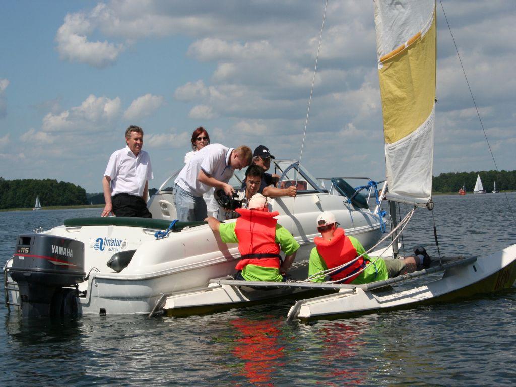 Przeglądasz zdjęcia w artykule: II Festiwal Sportów Wodnych Osób  Niepełnosprawnych  23 - 25 czerwca 2006