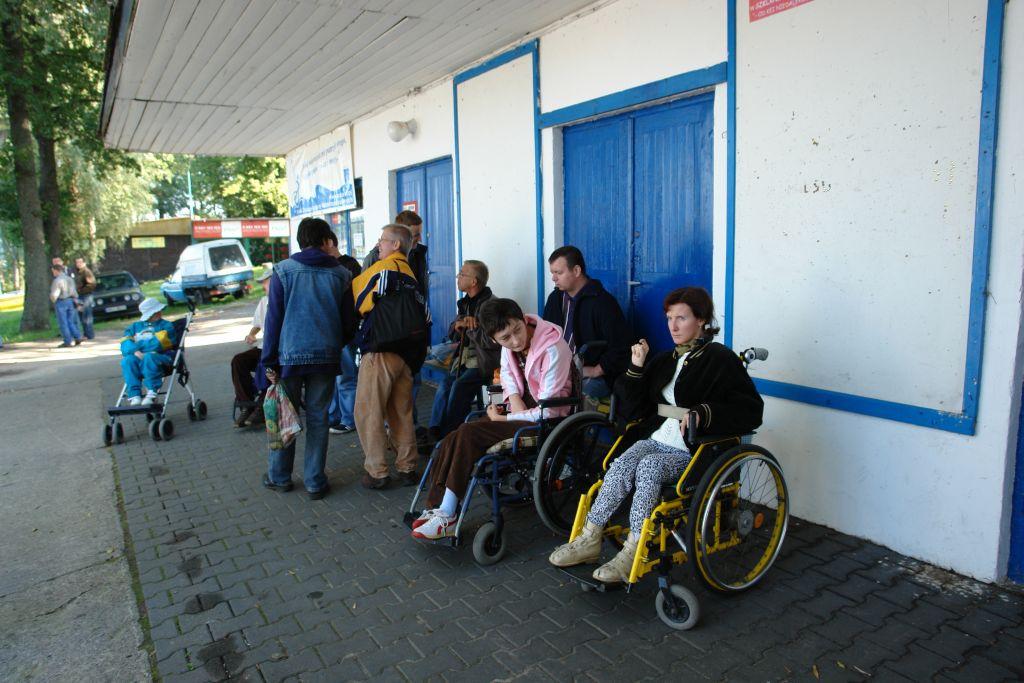 Przeglądasz zdjęcia w artykule: IV Młodzieżowe Regaty Niepełnosprawnych w klasie DZ  13 września 2006