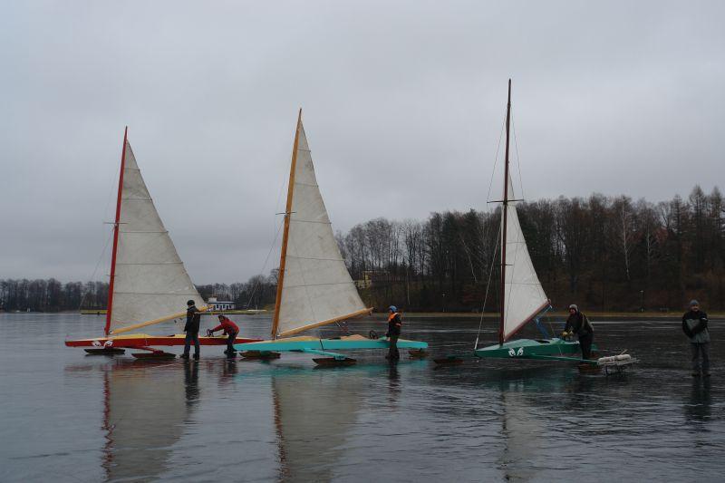 Przeglądasz zdjęcia w artykule: Puchar Mazurskiej Szkoły Żeglarstwa w klasie Monotyp XV  3 marca 2007