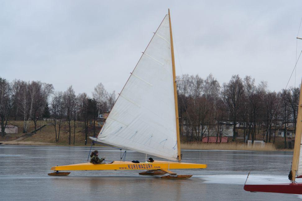 Przeglądasz zdjęcia w artykule: Bojerowy Puchar Polski Żeglarzy Niepełnosprawnych  w klasie Monotyp XV  4 marca 2007