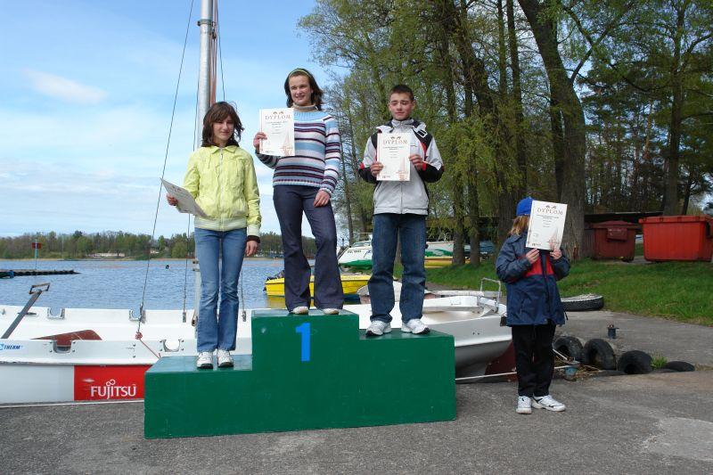 Przeglądasz zdjęcia w artykule: X Puchar Mazurskiej Szkoły Żeglarstwa  1 – 2 maja 2007