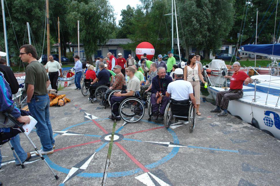 Przeglądasz zdjęcia w artykule: IV Puchar Polski Żeglarzy Niepełnosprawnych – II Edycja  27 - 29 lipca 2007
