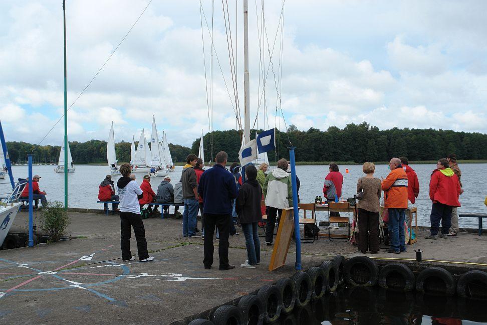Przeglądasz zdjęcia w artykule: XVII Żeglarskie Mistrzostwa Polski Lekarzy  8 - 9 września 2007