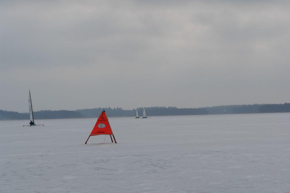 Przeglądasz zdjęcia w artykule: VI Integracyjne Regaty Bojerowe PZŻN 11 - 12 luty 2012