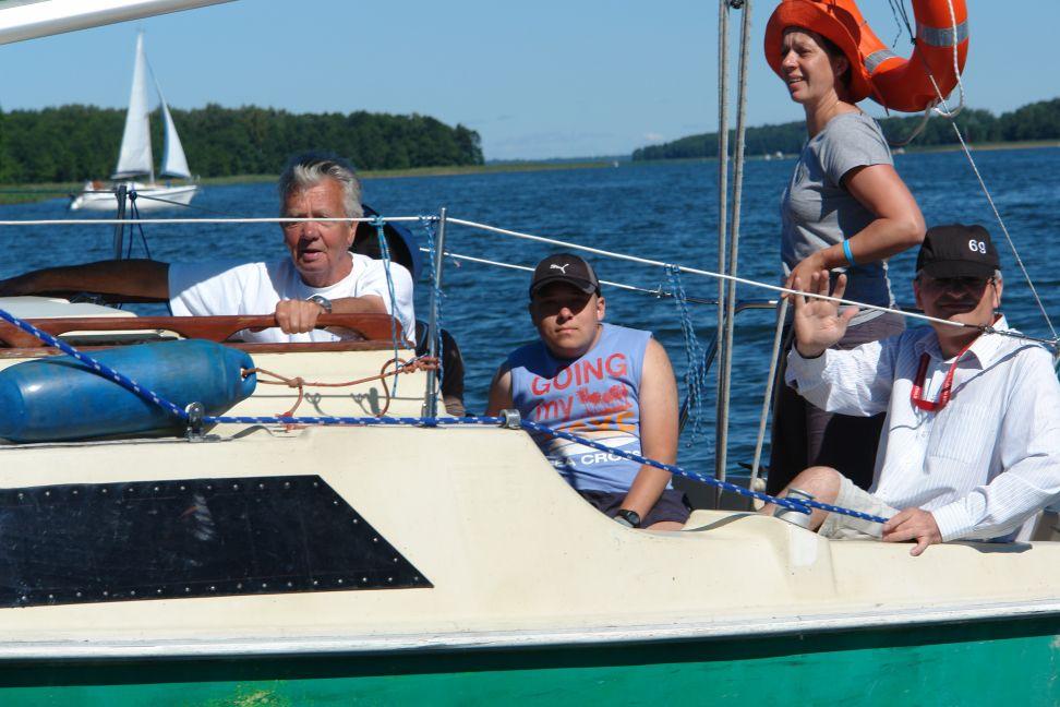 Przeglądasz zdjęcia w artykule: I Kurs Żeglarski dla Osób Niepełnosprawnych  29 lipca – 11 sierpnia 2013