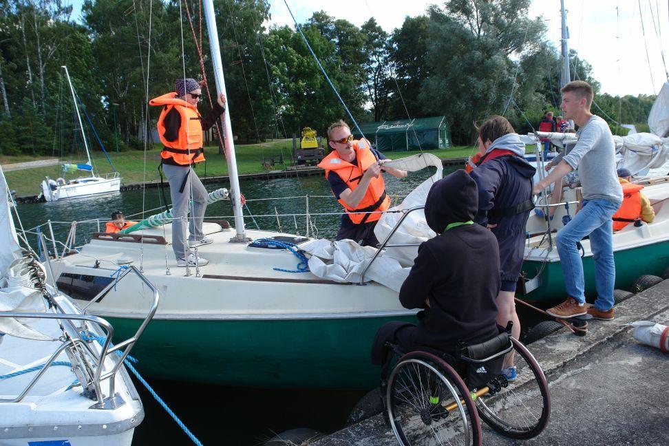 Przeglądasz zdjęcia w artykule: II Kurs Żeglarski dla Osób Niepełnosprawnych 12 -  25 sierpnia 2013