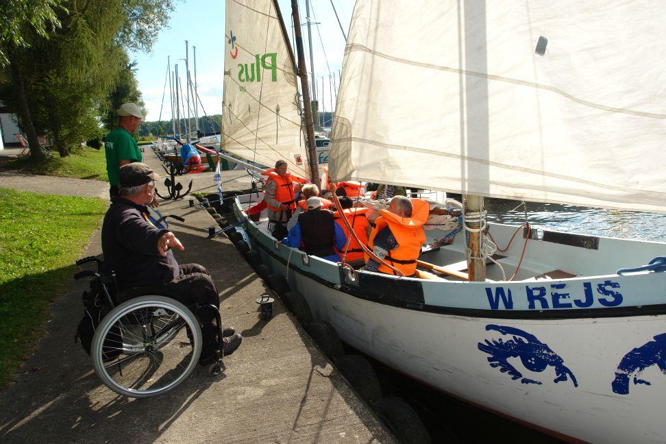 Przeglądasz zdjęcia w artykule: Żeglarskie Mistrzostwa Makroregionu Pomorskiego Niepełnosprawnych  5 – 8 września 2013