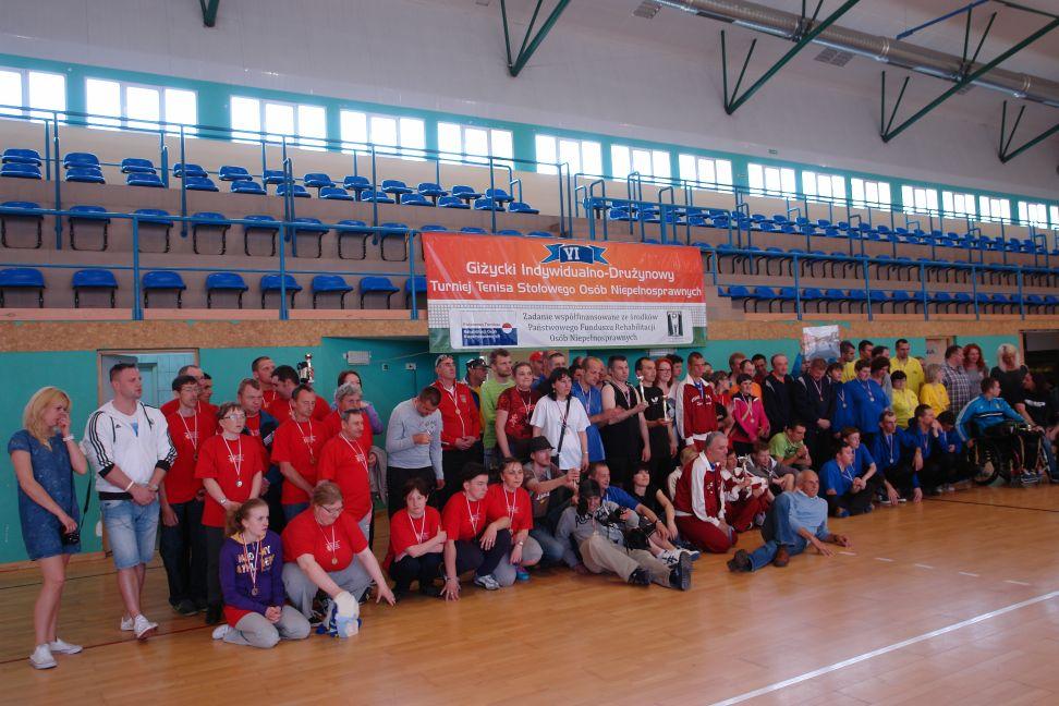Przeglądasz zdjęcia w artykule: VI Giżycki  Indywidualno-Drużynowy Turniej Tenisa Stołowego Osób Niepełnosprawnych z Żeglowaniem.