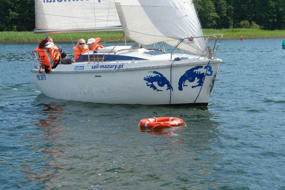 Przeglądasz zdjęcia w artykule: II Szkoleniowe Warsztaty Żeglarskie dla Osób Niepełnosprawnych  3 – 16 lipca 2014 r.