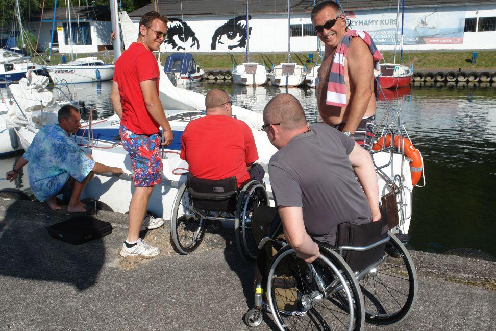 Przeglądasz zdjęcia w artykule: II Warsztaty Żeglarskie Osób Niepełnosprawnych 15 – 28 lipca 2014 r