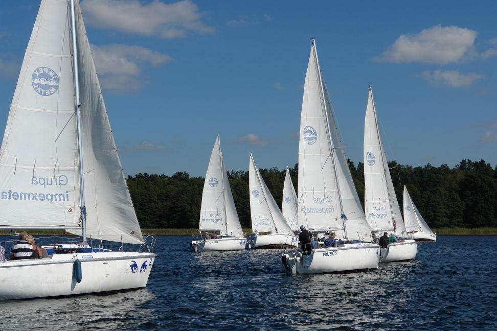 Przeglądasz zdjęcia w artykule: Żeglarskie Mistrzostwa  Polski  Seniorów 60+  rozegrane 6 - 7 września 2014 r.