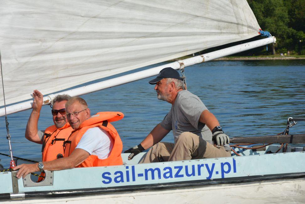 Przeglądasz zdjęcia w artykule: III Żeglarskie Mistrzostwa Makroregionu Pomorskiego Niepełnosprawnych  28 – 31 sierpnia 2015 r.